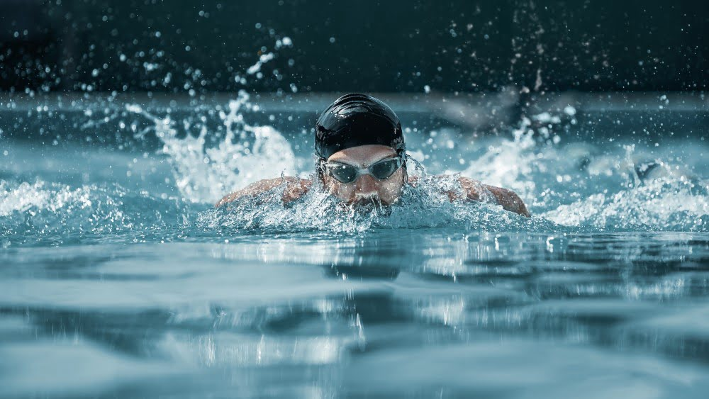 Svømmer i sit rette element